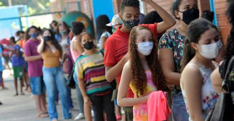 Placeholder - loading - Imagem da notícia Ministério volta atrás e libera vacinação de adolescentes contra Covid