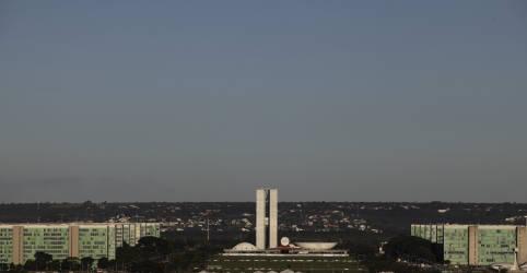 Placeholder - loading - Imagem da notícia Sem plano B, governo quer convencer Senado que só há Bolsa Família com reforma do IR, diz fonte
