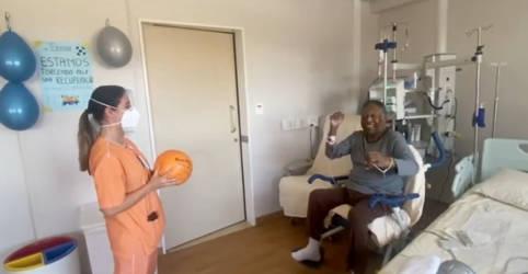 Placeholder - loading - Pelé deixará hospital após cirurgia no cólon, diz filha