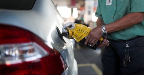 Placeholder - loading - Lira apresenta nova proposta para ICMS de combustíveis com base em valor médio dos últimos 2 anos