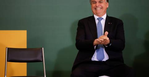 Placeholder - loading - Bolsonaro elogia Lira por aprovação do ICMS fixo sobre combustíveis, mas diz que proposta não é ideal