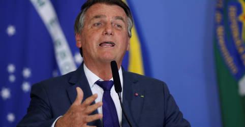 Placeholder - loading - Bolsonaro diz que define esta semana extensão do auxílio emergencial e preço do diesel