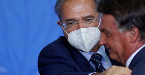 Placeholder - loading - Ao lado de Guedes, Bolsonaro diz que governo fará 'de tudo' para não perder confiança do mercado