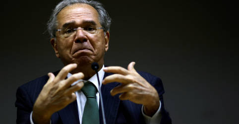 Placeholder - loading - Imagem da notícia Por que não pensar ousadamente sobre Petrobras?, diz Guedes sobre privatização