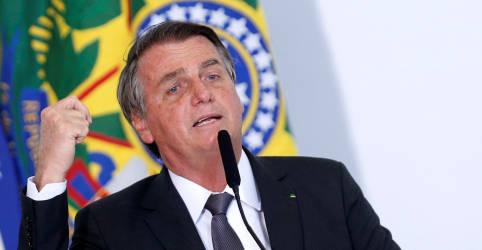 Placeholder - loading - Imagem da notícia Bolsonaro diz que pediu estudo para privatização da Petrobras