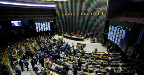 Placeholder - loading - Imagem da notícia Ainda sem apoio suficiente, governo, relator e presidente da Câmara negociam PEC dos Precatórios