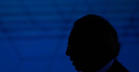 Placeholder - loading - Imagem da notícia Guedes viaja para G20 e equipe econômica mantém discrição em meio a resistências à PEC dos Precatórios