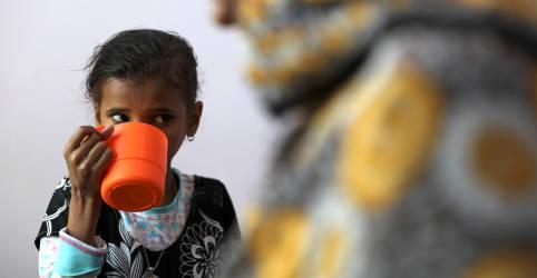Placeholder - loading - Imagem da notícia Crianças no Iêmen enfrentam escassez de alimentos e ONU busca bilhões de dólares para evitar fome
