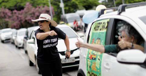 Placeholder - loading - Imagem da notícia Governadores reagem a ataques de Bolsonaro por crise da Covid-19