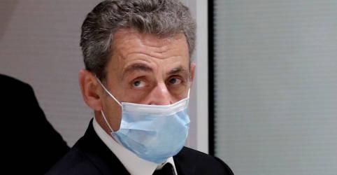 Placeholder - loading - Imagem da notícia Ex-presidente francês Sarkozy é condenado por corrupção, mas deve conseguir evitar a prisão