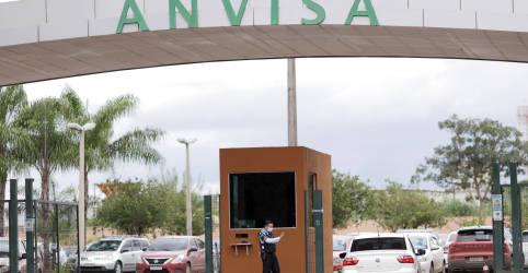 Placeholder - loading - Imagem da notícia Bolsonaro veta artigo que obrigava Anvisa a autorizar vacinas em até 5 dias