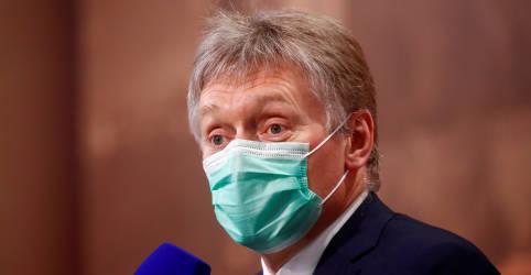 Placeholder - loading - Imagem da notícia Kremlin minimiza sanções de EUA e UE, mas promete retaliar