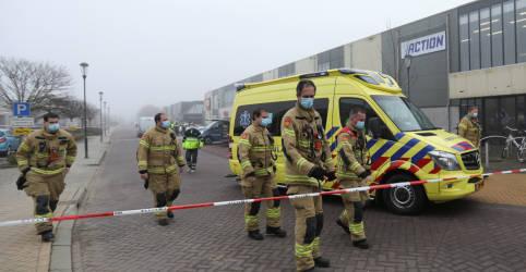Placeholder - loading - Imagem da notícia Explosão atinge centro de testes de Covid na Holanda, polícia classifica de ataque