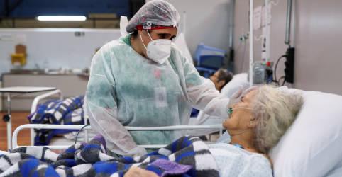 Placeholder - loading - Imagem da notícia Secretário de Saúde de SP compara pandemia a guerra e pede ajuda de voluntários