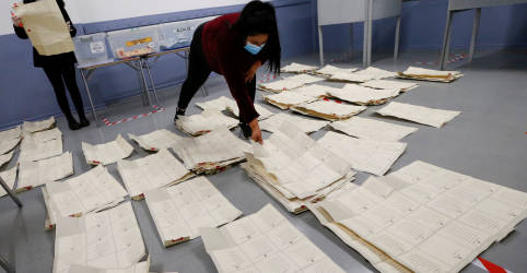 Placeholder - loading - Imagem da notícia Chilenos impõem derrota ao governo com escolha de independentes para reescrever Constituição