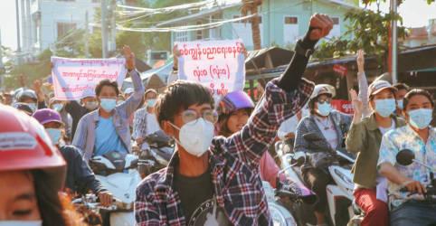 Placeholder - loading - Ativistas de Mianmar dizem que forças de segurança mataram mais de 800 desde golpe