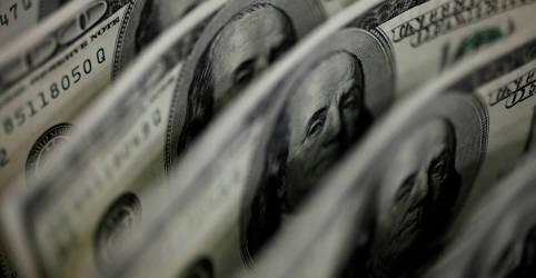 Placeholder - loading - Imagem da notícia Dólar espelha exterior e cai à espera de Fed