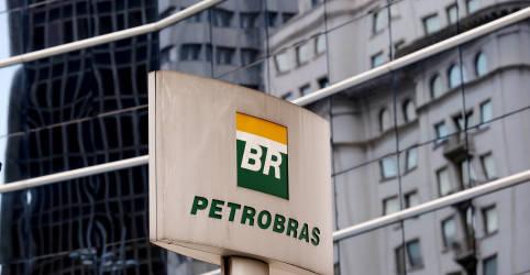 Placeholder - loading - Imagem da notícia Petrobras discute vender fatia na BR ainda este ano por mais de R$8 bi, dizem fontes