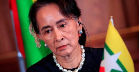 Placeholder - loading - Imagem da notícia Suu Kyi comparece pessoalmente a tribunal de Mianmar pela primeira vez desde golpe