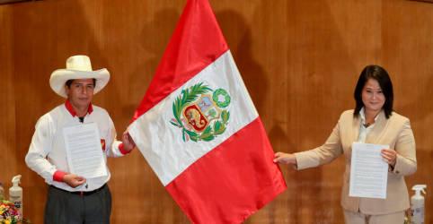 Placeholder - loading - ANÁLISE-Riscos políticos na América Latina perseguem investidores com aproximação de eleição no Peru