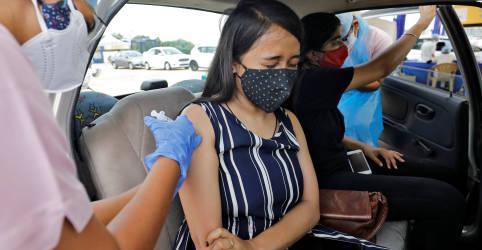 Placeholder - loading - Imagem da notícia Índia abre mão de testes locais de vacinas estrangeiras contra Covid para ampliar imunização