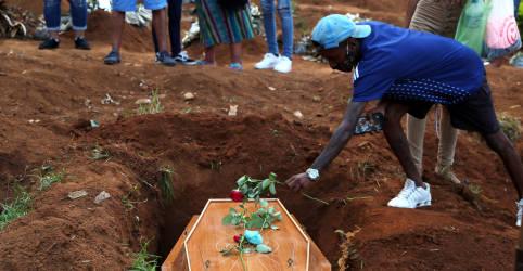 Placeholder - loading - Brasil registra 2.371 novas mortes por Covid-19 e total atinge 459.045