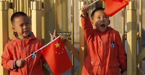 Placeholder - loading - China altera política para permitir até 3 filhos por casal