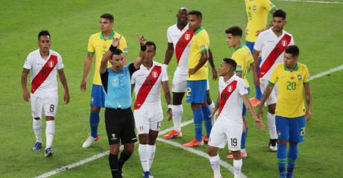 Placeholder - loading - Conmebol anuncia Brasil como sede da Copa América; governo diz que ainda está em tratativas