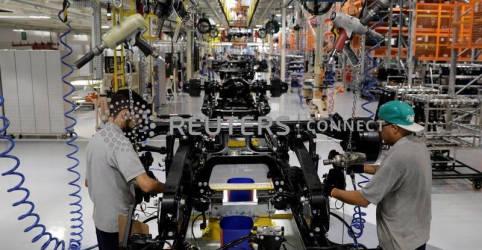 Placeholder - loading - Imagem da notícia Expansão da indústria no Brasil acelera em maio com aumento de produção e vendas, mostra PMI