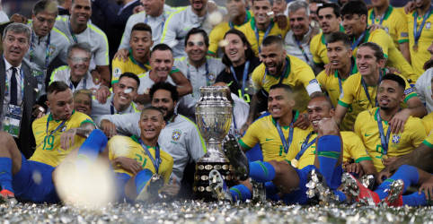 Placeholder - loading - Imagem da notícia Governo confirma realização da Copa América sem público em MT, RJ, DF e GO