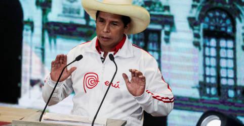 Placeholder - loading - Imagem da notícia Socialista Castillo acena com tributação a mineradoras no Peru e pode atingir empresas chinesas