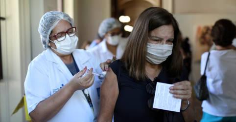 Placeholder - loading - Saúde reduz em quase 4 milhões projeção de doses de vacinas contra Covid para junho