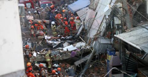 Placeholder - loading - Imagem da notícia Desabamento de prédio deixa 2 mortos no Rio