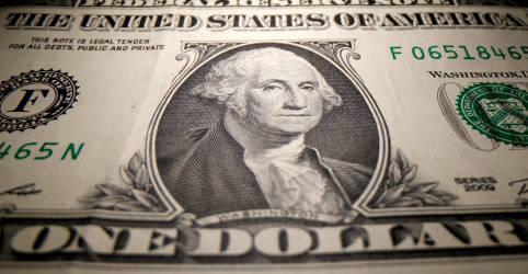 Placeholder - loading - Imagem da notícia Dólar fecha com variação negativa de 0,07%, a R$5,0669