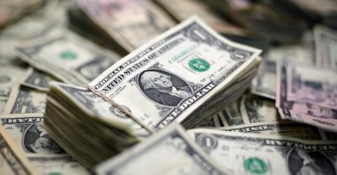 Placeholder - loading - Dólar tem leve queda ante real com BC e à espera de Fed