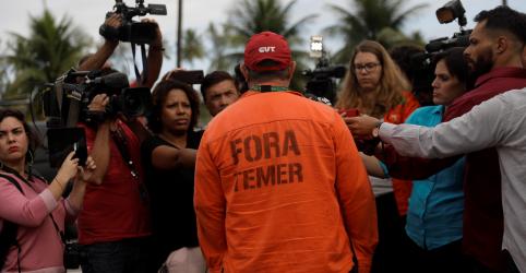 Petroleiros reafirmam greve, mas avaliam riscos jurídicos para marcar data, diz FUP