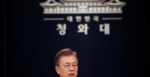 Placeholder - loading - Imagem da notícia Seul irá considerar 'mudar' pressão sobre Coreia do Norte e revisar exercícios militares com EUA