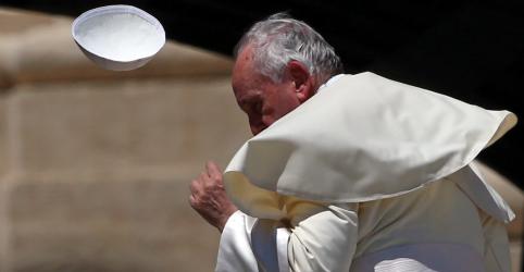 Itália e França tentam resolver disputa sobre imigração; papa cobra mudança de postura de políticos