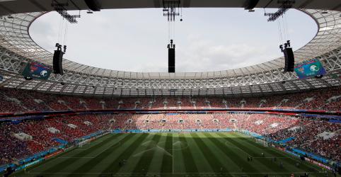 Placeholder - loading - Imagem da notícia Rússia celebra Copa do Mundo livre de boicotes