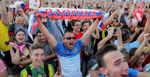 Placeholder - loading - Rússia fica em êxtase após início perfeito da Copa do Mundo