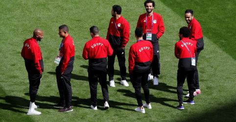 Placeholder - loading - Imagem da notícia Egito decide não arriscar Salah como titular contra o Uruguai