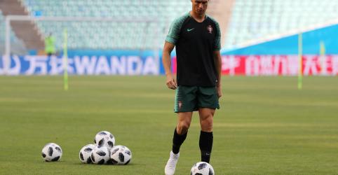 Placeholder - loading - Imagem da notícia Cristiano Ronaldo fecha acordo com autoridades tributárias da Espanha, diz jornal