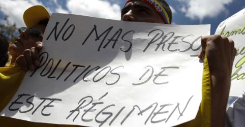 Placeholder - loading - Imagem da notícia 'Isolamento total': parlamentar de oposição conta sobre tempo em prisão venezuelana
