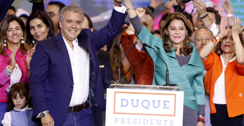 Placeholder - loading - Imagem da notícia Candidato de direita Duque é eleito presidente da Colômbia e pode revisar acordo de paz com as Farc