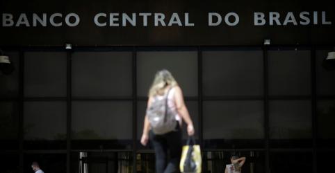Economistas veem dólar acima de R$3,50 este ano e Selic a 6,5% esta semana, mostra Focus