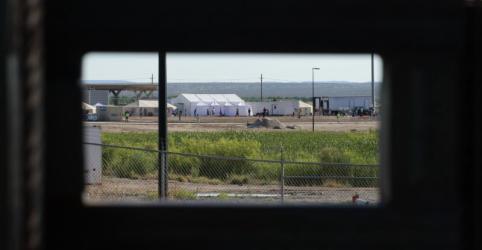 Placeholder - loading - Imagem da notícia Solicitações de asilo caem na União Europeia e saltam nos Estados Unidos, diz OCDE