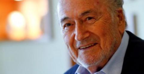 Kremlin diz que Blatter está na Rússia em viagem particular