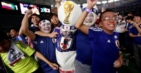 Placeholder - loading - Imagem da notícia Vitória sobre a Colômbia na Copa anima Japão após terremoto