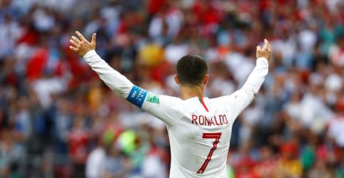 Placeholder - loading - Imagem da notícia Cristiano Ronaldo garante vitória de Portugal sobre Marrocos por 1 x 0