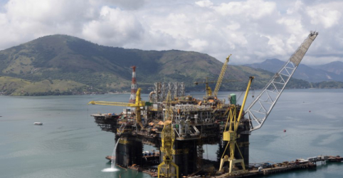 Placeholder - loading - Imagem da notícia Governo vê mega leilão do pré-sal em 29/11 com avanço de projeto da cessão onerosa